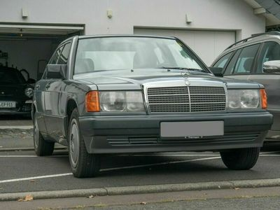 gebraucht Mercedes 190 1.8 in sehr gutem Zustand für Liebhaber!
