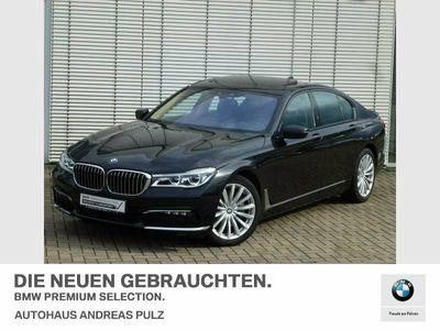 gebraucht BMW 750 d xDrive Harman/Kardon,Glasdach,Kamera,Massage-Kom