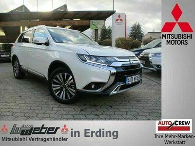 gebraucht Mitsubishi Outlander TOP 2.0 MIVEC ClearTec 4WD AT NAVI LED SHZ GRA