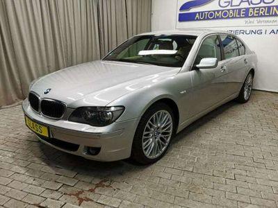 gebraucht BMW 750L i *Leder| Navi| Xenon| PDC* als Limousine in Berlin