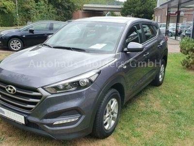 gebraucht Hyundai Tucson blue 1.7 CRDi 2WD Garantie*176€ mtl.
