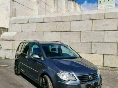 gebraucht VW Touran sucht Dich