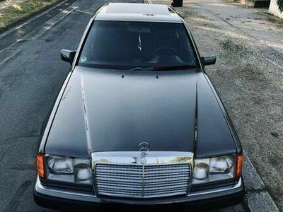używany Mercedes 260 W124