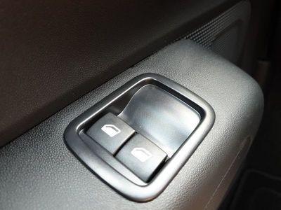 gebraucht Citroën C3 1.2 83PS Shine AirBump 5-Türig Klimaautomatik Navi PDC Temp. Nebelsch.