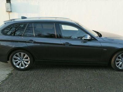 gebraucht BMW 328 i Touring Aut. Luxury Line als Kombi in Schwedt