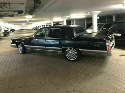 gebraucht Cadillac Fleetwood Brougham schwarz Automatik 175 HP
