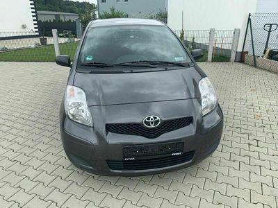 gebraucht Toyota Yaris 1,0 Benziner
