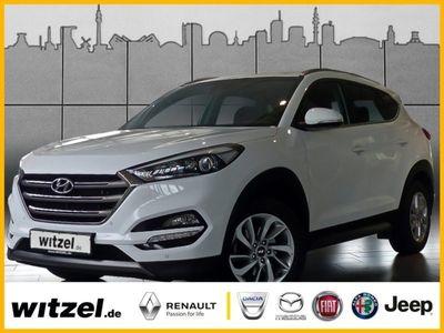gebraucht Hyundai Tucson 2.0 CRDi 4WD Automatik Style NAVI SHZ AHK