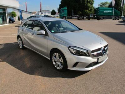 gebraucht Mercedes A180 d Urban / NAVI / LED /Klimaaut./Spur-Paket