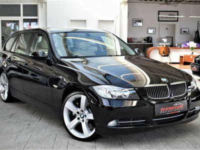 gebraucht BMW 335 i Touring Automatik + Aut.+ Schwarz + Leder