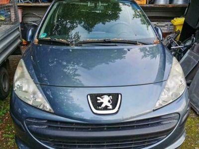 gebraucht Peugeot 207 1,4 TÜV 3/22 lesen !!! Anrufen...
