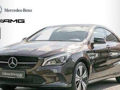 gebraucht Mercedes CLA200 Coupé *Urban*LED*Parktronic*AHK*Night*