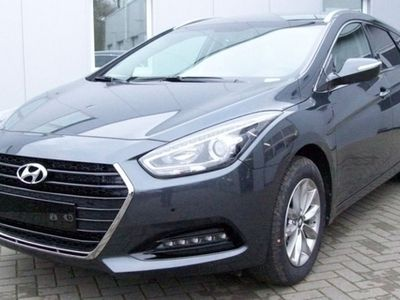 used Hyundai i40 CW 1.7 CRDi 116PS blue Trend Pano LMF SHZ