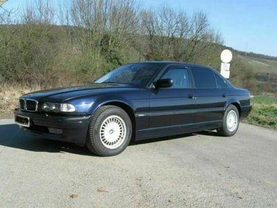 gebraucht BMW 750L i Individual Highline nachtblau, Einzelstück als Limousine in Grafschaft