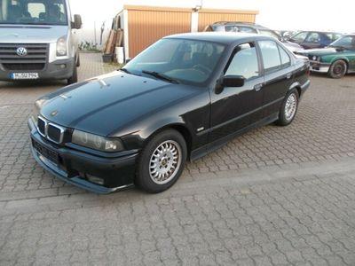 gebraucht BMW 320 i mit Autogas