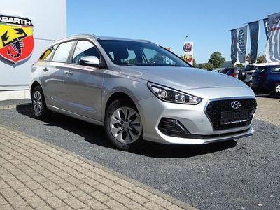 gebraucht Hyundai i30 Kombi CW LifePlus 1.4 T-GDI DCT AppleCar ... Neu