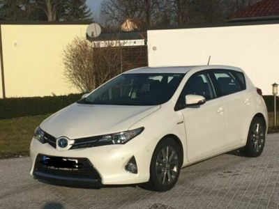 käytetty Toyota Auris 1.8 VVT-i Hybrid Automatik