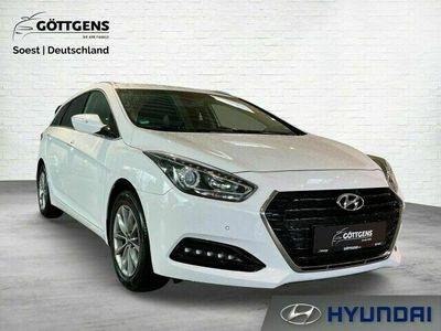 gebraucht Hyundai i40 Kombi 2.0 TREND NAVI SITZHEIZUNG LENKRADHEIZUN