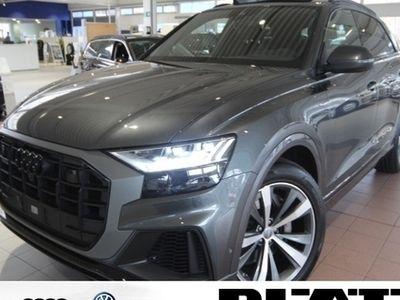 gebraucht Audi Q8 s-line Matrix-LED Pano AHK Standhzg. Leder Navi