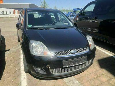 gebraucht Ford Fiesta Ghia TDCI 90 PS Klima