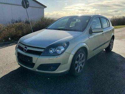 gebraucht Opel Astra Lim. Sport als Limousine in Empfingen