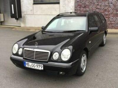 gebraucht Mercedes 320 E-Klasse T-ModellV6 W210