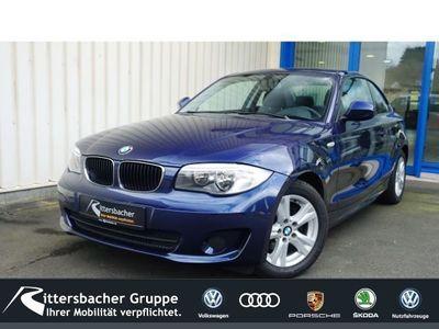 gebraucht BMW 120 Coupé i LED-hinten RDC Klima PDC CD ESP MAL Seitenairb. BC Scheckheft met. Gar. Alu