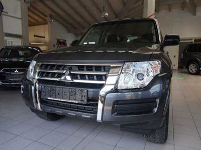 gebraucht Mitsubishi Pajero 3.2 DI-D Autom. 7-SITZE/KLIMAAUTO/ALU