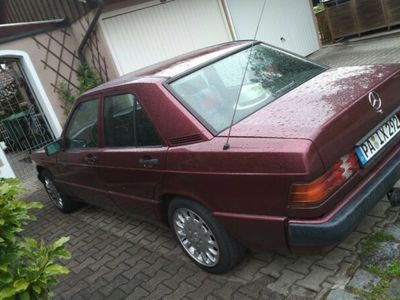 gebraucht Mercedes 190 1.8 Avantgarde rosso
