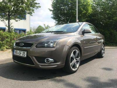 gebraucht Ford Focus Cabriolet Coupe- 2.0 16V Titanium