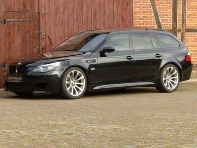 gebraucht BMW M5 Touring V-Max 300 KM/H