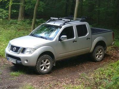 used Nissan Navara SE