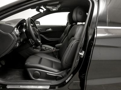 gebraucht Mercedes GLA200 d Urban **Navi/Xenon/Parkassi/SHZ