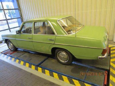 käytetty Mercedes 220 1975, guter Zustand mit TÜV