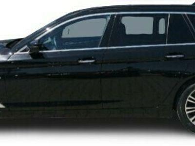 gebraucht BMW 530 530 d xDrive Sport Line Touring Park-Assistent LED Navi Keyless HUD Parklenkass. Rόckfahrkam.