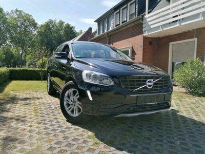 gebraucht Volvo XC60 Momentum Geartronic 8 Gang D4 F...