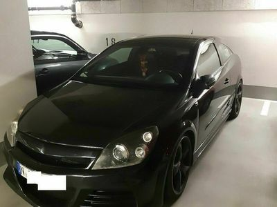 gebraucht Opel Astra GTC 2.0 Turbo 200PS - Rennsemmel - schwarz...