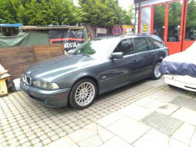 käytetty BMW 530 i Touring, zugelassen mit guter Ausstattung