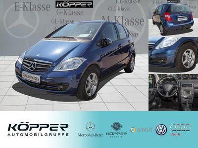 gebraucht Mercedes A180 BlueEFFICIENCY Limousine 5-tg. AHK EDITION