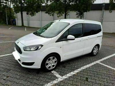 gebraucht Ford Tourneo Courier 1.5 TDCi Ambiente
