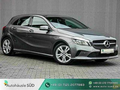 gebraucht Mercedes A180 BlueEfficiency|TEILLEDER|NAVI|SHZ|PDC