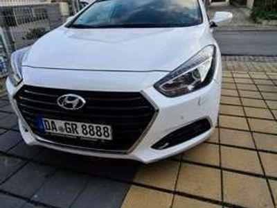 gebraucht Hyundai i40 Kombi 2.0 Automatik Family+