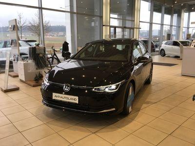 gebraucht VW Golf VIII 1.5 TSI BMT OPF Style | PANO |