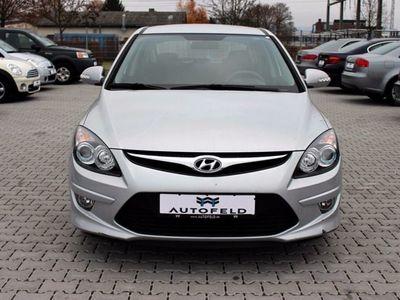 gebraucht Hyundai i30 1.6 CRDi Automatik/KLIMA/TÜV NEU/INSP NEU