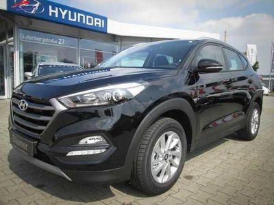 gebraucht Hyundai Tucson 1.6 T-GDi 4WD Trend + Klima + Tempomat +