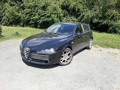 gebraucht Alfa Romeo 147 Sehr schönes Auto, mit Allwetter Reifen