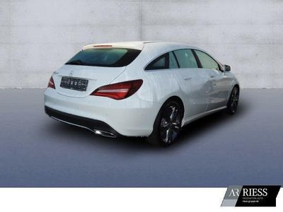 gebraucht Mercedes CLA180 Shooting Brake Urban+Chrom-Paket+Einparkhilfe+Autom.