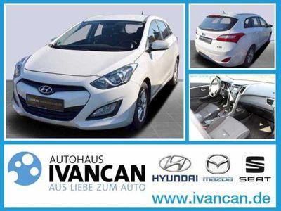 gebraucht Hyundai i30 KOMBI 1.6 CRDI 110PS M/T TREND