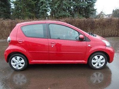 gebraucht Toyota Aygo Cool Red, 5 türig, Klima, Serviceheft, unfallfrei,