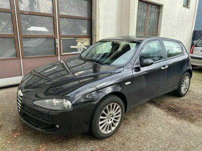 gebraucht Alfa Romeo 147 Alfa1.9 JTD 8V M-Jet Distinctive Klima,Alu als Limousine in Mülheim an der ruhr